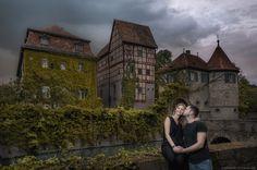 Verlobungsshooting in Schloss Unsleben, Hessen | Foto Shooting vor der Hochzeit mit einem Wunderschonen Paar in einen traumhaft Schloss
