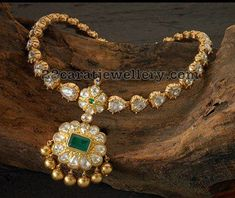 22 carat gold traditional temple jewellery from Royal Jewellery. Designer choker attached with unique pendant. The necklace studded with . Royal Jewelry, India Jewelry, Silver Jewelry, Temple Jewellery, Diamond Jewelry, Diamond Necklaces, Pearl Diamond, Clay Jewelry, Long Pearl Necklaces
