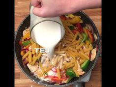 GastroHobbi I Sajtos-csirkés tészta I Cheese and chicken pasta Chicken Pasta, Cheese, Ethnic Recipes, Youtube, Food, Essen, Meals, Youtubers, Yemek