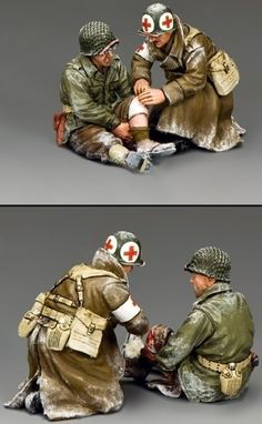 World War II U.S. Battle of the Bulge BBA078 U.S. G.I. Sitting Wounded set - Made by King and Country Military Miniatures and Models. Factory made, hand assembled, painted and boxed in a padded decorative box. Excellent gift for the enthusiast.