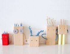 Heb je nog een paar oude speelblokken liggen die niet meer gebruikt worden? Verander ze in deze leuke robotjes!
