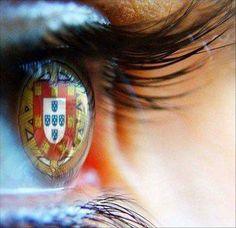 See the world differently | Photo @ Blog de doryant. http://doryant.skyrock.com/2385854739-portugal-dans-mes-yeux.html