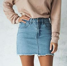 30 Best Summer Outfits Stylish and Comfy Simple denim skirts can go with so much they make outfits easy The Best of fashion trends in Looks Style, Looks Cool, Mode Outfits, Casual Outfits, 90s Fashion, Fashion Outfits, Skirt Fashion, Latest Fashion, Denim Fashion
