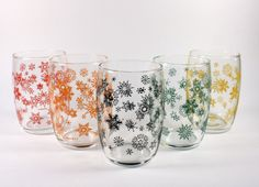 50s French Snowflake Juice Tumbler Set. Cool Glasses, Snowflake Designs, See Photo, Absolutely Gorgeous, The Rock, Pint Glass, Snowflakes, Juice, Mid Century