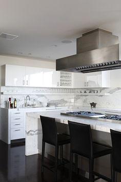 Küchen · Weiße Menschen · Carrera Marble Waterfall Island
