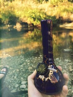 Hello medical cannabis and oil available here for patiants with anxiety,depression,insormia etc got your meds just HMU at 8312900024 Weed Bong, 420 Girls, Puff And Pass, Pipes And Bongs, Stoner Girl, Best Bud, Smoking Weed, Ganja, Smoke
