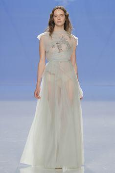 Vestido de Marco & María colección 2018 Modelo 18-1024- Fhoto: Barcelona Bridal Fashion week 2017