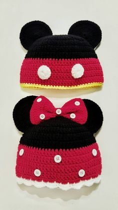 Mickey and Minne Mouse crochet hatminnie mouse hatcrochet Crochet Baby Boots, Crochet Kids Hats, Crochet Beanie Hat, Crochet Baby Clothes, Booties Crochet, Bonnet Crochet, Crochet Cap, Cute Crochet, Crochet Stitches Patterns