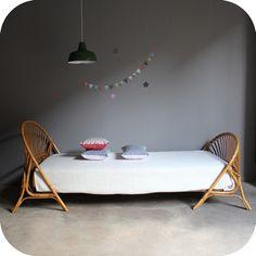 Rattan Bed | Lit rotin corbeille '60