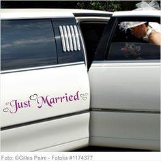 Autoaufkleber Hochzeit Just Married mit Herzen M 2-farbig