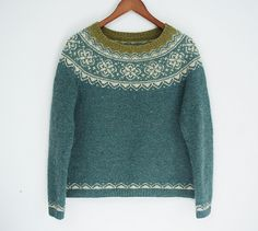Still not sure of a name for it yet, but two versions of the pattern will be available on Ravelry in the fall - toddler and children's in fingering weight, and women's in sport weight. Fair Isle Knitting, Baby Knitting, Norwegian Knitting, Icelandic Sweaters, Fair Isle Pattern, Sweater Design, Pulls, Knitwear, Models