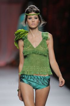 Francis Montesinos - Ready-to-Wear - Runway Collection - Women Spring / Summer 2013