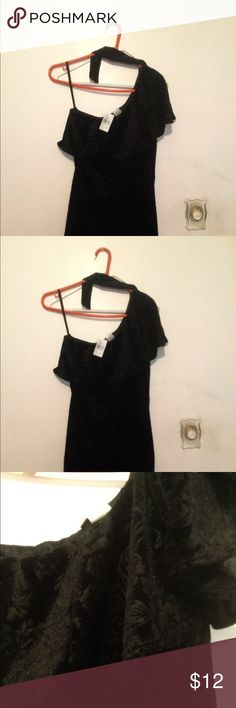 Velvet dress w/ attached choker- one shoulder! Brand new with tags. Never worn. Was a gift but size is too small so selling. Price is negotiable and willing to provide more photos and details. Just message me. Dresses One Shoulder