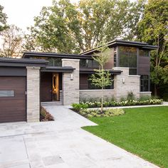 David Small Designs is an award winning custom home design firm. See a portfolio of our Mid-Century Upgrade project Mid Century Modern Design, Modern House Design, Custom Home Designs, Custom Homes, Modern Exterior, Exterior Design, Residential Architecture, Architecture Design, Home Builders Association