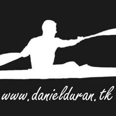 mi silueta y logo de la web, con colores invertidos