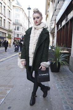 ストリートファッションスナップ ロンドン 街角おしゃれ