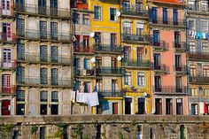Detalhes, Portugal