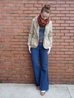 Not trying too hard but looking cute, comfy and stylish. Wide leg jeans always in fashion and is always a nice alternative.