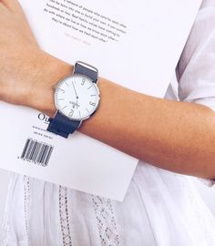 Love this Franco Florenzi watch. Simple and chic.