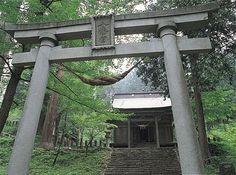 鳥越八幡神社(国指定重要文化財)