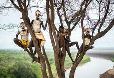 #19 Children With Painted Face, Ethiopia (© Massimo Rumi)