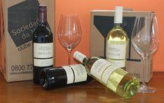 A produção de vinhos da Áustria se caracteriza por pequenas propriedades, familiares, que realizam o cultivo e produção com o mínimo de intervenção de aditivos industriais. Este tinto e o branco foram distribuídos pelo clube de vinhos Sociedade da Mesa.