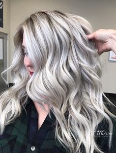 🎂Icing on Cake 🎂 I used blacklight cool tone to babylight and balayage. I finished her style with gold pro one inch… Ice Blonde Hair, Silver Blonde Hair, Blonde Hair Looks, Icy Blonde, Platinum Blonde Hair, Low Lights Hair, Blonde Hair With Highlights, Honey Hair, Hair Affair