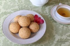 Fried Sesame Balls | Eat Now Cry Later                               https://www.youtube.com/watch?v=6n4NwwEDc6s&list=UUaHHi9uK7p3L7hUlIq8JU-Q