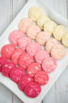 Delicious Valentines Day Cookies - This Tiny Blue House - 30 Cute amp; Delicious Valentines Day Cookies This Tiny Blue House - Valentine Desserts, Valentines Day Cookies, Valentines Day Treats, Kids Valentines, Pink Desserts, Valentines Baking, Valentine Food Ideas, Valentines Day Brunch Ideas, Christmas Cookies