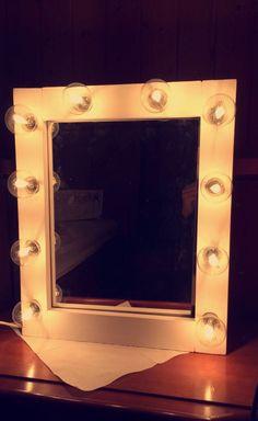 Selfmade Hollywood mirror 💄💅🏼   #Lumina 💡