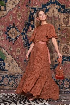 Johanna Ortiz Pre-Fall 2019 Fashion Show Collection: See the complete Johanna Ortiz Pre-Fall 2019 collection. Look 38 Modest Fashion, Boho Fashion, Autumn Fashion, Fashion Dresses, Fashion Looks, Womens Fashion, Fashion Tips, Fashion Design, Fashion Trends