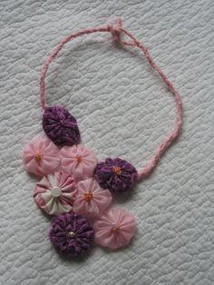 du rose en collier yoyo
