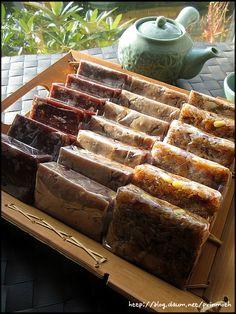 간단하면서 맛있는 약밥의 황금 비율 알려 드릴께요~~^^* – 레시피 | 다음 요리 Korean Dishes, Korean Food, New Recipes, Cooking Recipes, Korean Recipes, Korean Rice Cake, Rice Cakes, Food Design, Food And Drink