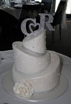 Sandy's Cakes: Craig & Rachel's Blingy Wedding Cake, just gorgeous