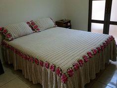 Colcha de crochê! com detalhes de square com flores, Maravilhosa! (9952)
