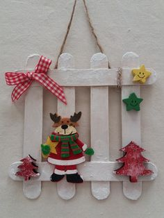 Learn how to make Easy Christmas Crafts for Kids with these amazing Popsicle Stick Christmas Ornaments. for kids easy christmas Easy Christmas Crafts for Kids to Make – Popsicle Stick Christmas Ornaments Popsicle Stick Christmas Crafts, Easy Christmas Ornaments, Christmas Crafts For Kids To Make, Christmas Wood, Craft Stick Crafts, Spring Crafts, Christmas Projects, Kids Christmas, Holiday Crafts