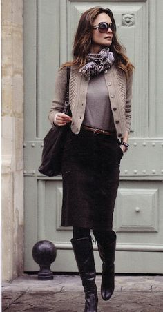 Classic Style: Sweater, scarf and boots