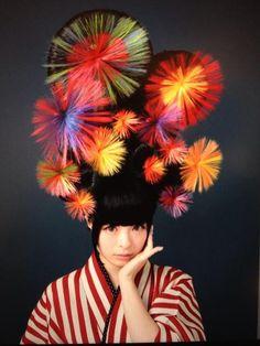 Kyary Pamyu Pamyu きゃりーぱみゅぱみゅ New Hair Style: Japanesque Fireworks Kyary Pamyu Pamyu, Cute Kimonos, Avant Garde Hair, Harajuku Girls, Harajuku Style, Traditional Kimono, Shooting Photo, Creative Hairstyles, Japanese Street Fashion