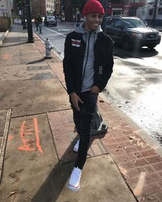 Men's Jacket Style Guide. The cold months are coming and it is nearing the time to take out your winter clothes. Rapper Outfits, Swag Outfits Men, Outfits Hombre, Boy Outfits, Fine Black Men, Handsome Black Men, Fine Men, Galactik Football, Black Men Street Fashion