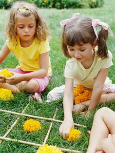 Indoor play for kids becomes very common and necessary during the cold winter months. For this week's indoor games and play Discover & Explo...