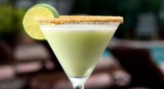 Key lime colada with : 1 oz. vanilla rum 1 to ¾ oz. Keke Beach Key Lime Cream liqueur 1 splash piña colada mix and pineapple juice 1 cup of ice The key to the Ko Olina key lime colada is the use of vanilla rum and fresh pineapple juices. Dessert Drinks, Fun Drinks, Yummy Drinks, Delicious Desserts, Yummy Food, Beverages, Refreshing Drinks, Lime Drinks, Alcoholic Drinks