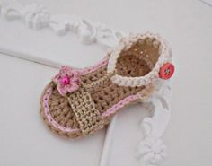 Baby girl crochet sandals  100% cotton yarn by Vintagesouletsyshop