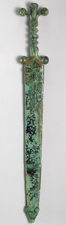 "theancientworld: "" Sword, century b. Late Iron Age (La Tène) Celtic Iron blade, copper alloy hilt and scabbard "" Iron Age, Historical Artifacts, Ancient Artifacts, Ancient History, Art History, History Essay, Caballero Andante, Vikings, Celtic Sword"