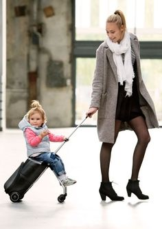 The MICRO Lazy Luggage is the clever travel companion as it converts from luggage trolley to child´s ride-on vehicle in an instant. A must-have for relaxed travel for families with young children! Travel Gadgets, Cool Gadgets, Mens Gadgets, Chill Bag, Micro Kickboard, Large Luggage, Africa Travel, Travel Europe, Travel Packing