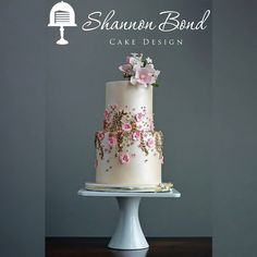 "Shannon Bond Cake Design on Instagram: ""Full pictures of the Fabulous Forty birthday cake. What better way to start a new year than with pink, gold, and intricate details over a…"" • Instagram"