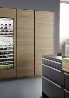 Küchenschrank, Holz, Fronten, Weinschrank, Küche, Idee, Bild, Schrank, Aufbewahrung, Ordnung  Foto: Leicht Küchen