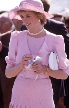 """""""Diana Princess of Wales arrives in Sicily"""" by David Levenson on Getty Images, taken April 1985 during the Royal Tour of Italy. Diana wore a pink dress designed by Catherine Walker and a pink hat by John Boyd. Prince And Princess, Princess Of Wales, Princess Diana Fashion, Catherine Walker, Charles And Diana, Prince Charles, Lady Diana Spencer, Diana Ross, Estilo Fashion"""