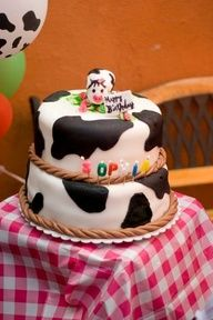 Cow Cake at a Cowgirl Party #cowgirl #cake