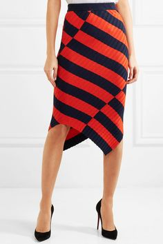 Red and black stretch-knit Slips on 81% viscose, 16% polyamide, 3% elastane Dry clean Designer color: Persimmon Imported