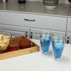 Summer is here and kids are out of school so any time is a perfect time for snacks and drinks! The functional and fun design of the Haus Double Wall Glass, makes liquids inside appear floating for a sophisticated and unique appearance.